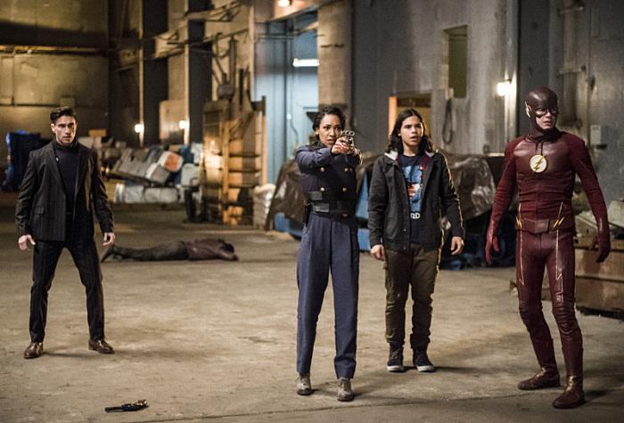 The Flash 2. Sezon 13. Bölüm - Dünya 2 Bölümü